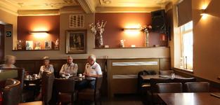 Het gezellige interieur van Brasserie De Lido
